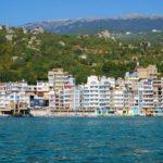 Утес — лазурный городок на побережье Крыма