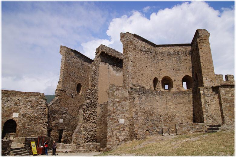 руины католического собора
