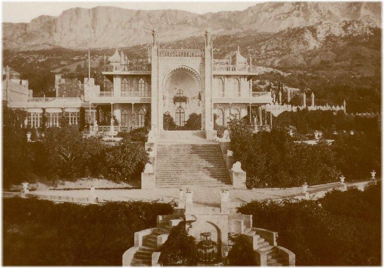 старое фото Алупкинского дворца
