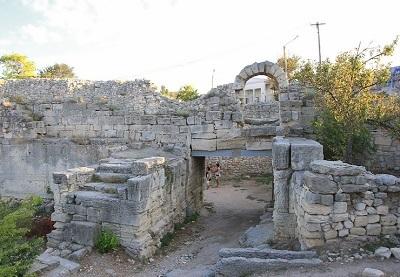 Херсонесские ворота