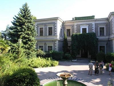 Кузнецовский дворец - прилегающий парк