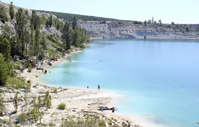 Мраморное озеро в Крыму