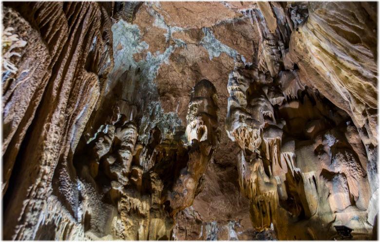 фото сводов пещеры