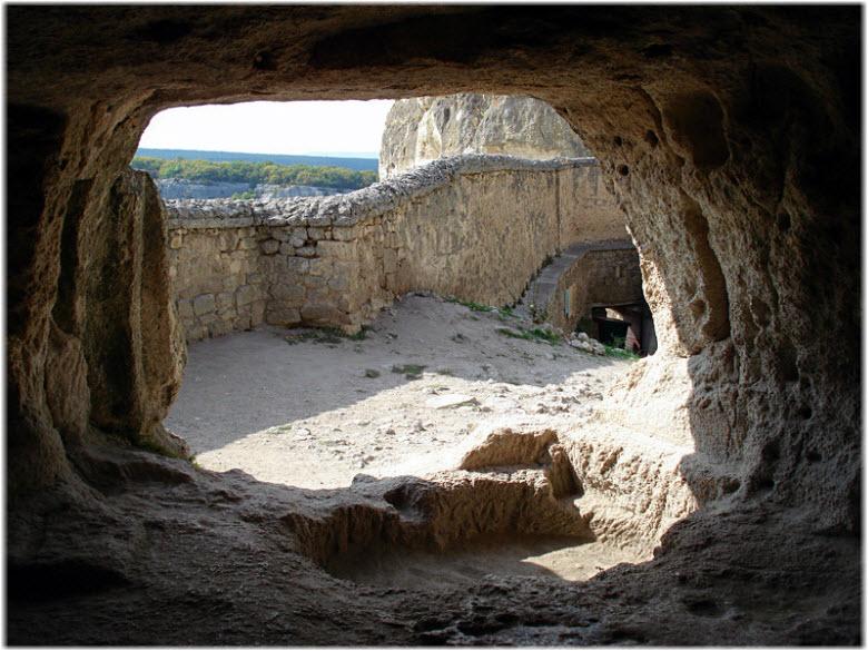 фото в пещерах Чуфут-Кале