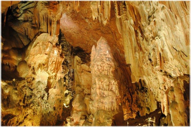 в Скельской пещере