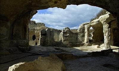 Пещерный город Ески-Кермен фото 2