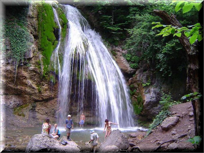 крым водопад джур джур