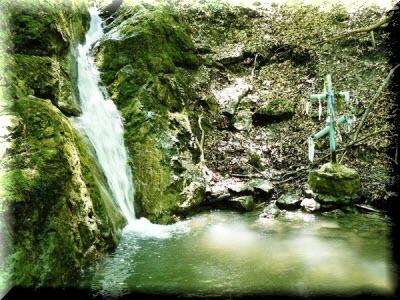 водопад трех святителей крым фото