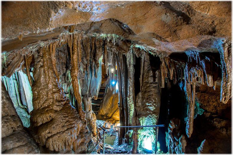 Пещера Трехглазка