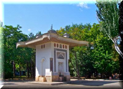 Фонтан Айвазовского - памятник великому маринисту в Феодосии