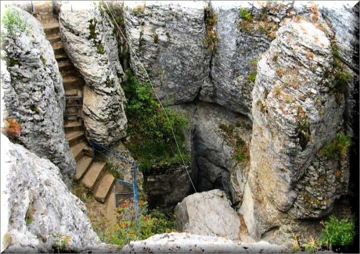 крым пещера трехглазка