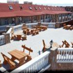 «Замок Викинг» — поражающий отель на косе Беляус