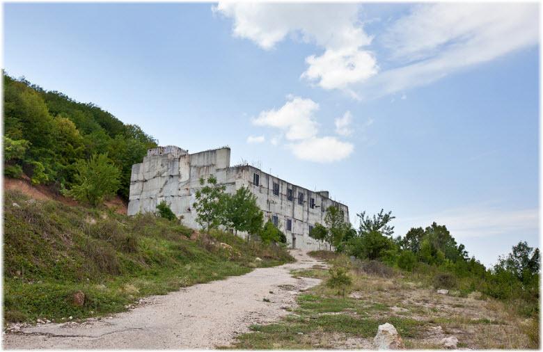 фото заброшенного объекта 221 в Севастополе