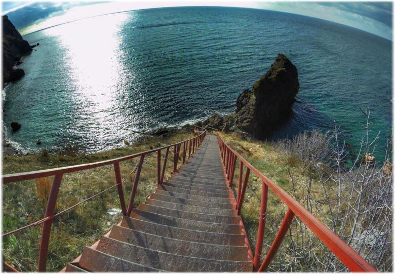 ступеньки к морю на Фиоленте