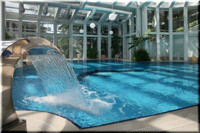 Бассейн спа-гостиницы Море в Алуште