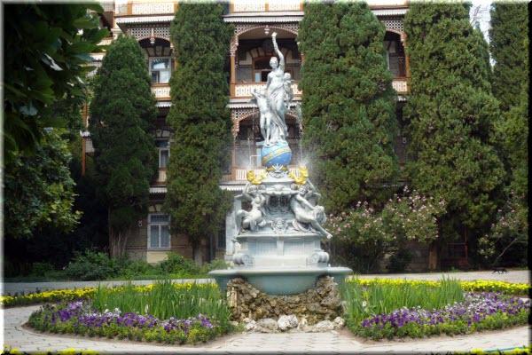 гурзуф фонтан богиня ночи