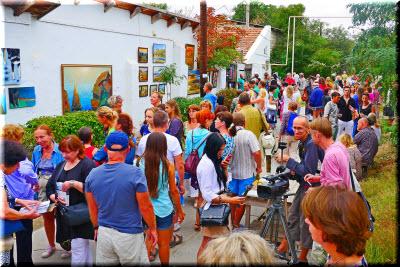 В Коктебеле традиционную выставку подзаборников приурочат памяти Айвазовского