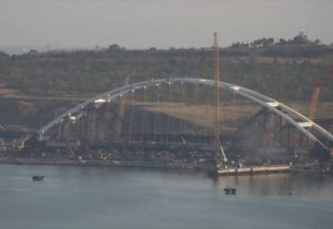 фото с веб-камеры в районе Керченского моста