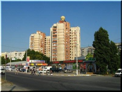 По субботам на улице Героев Сталинграда в Симферополе устраиваются концерты