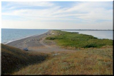 фото пересыпи между озером и морем