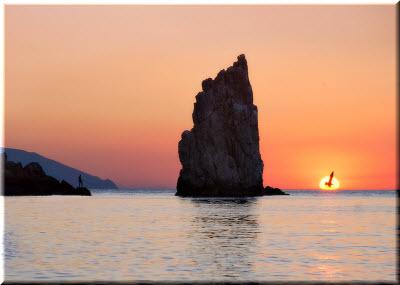 фото скалы Парус на рассвете