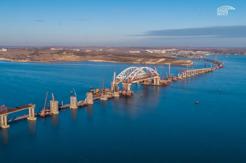 Фото Крымского моста с моря