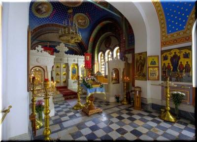 фото внутри Крестовоздвиженского храма