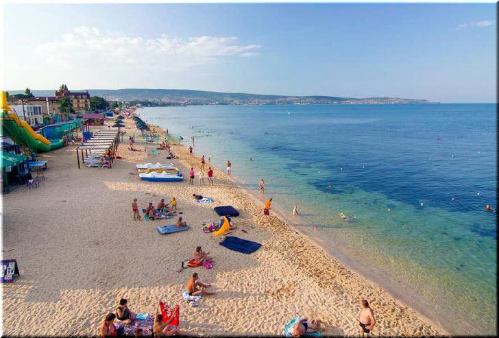 пляж на Черноморской набережной