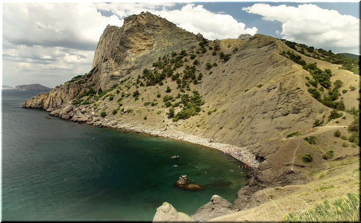 пляж в Синей бухте