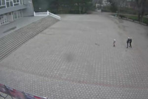 фото с камеры перед ДК Титан в Армянске
