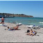 Солнечный — пляж у парка Анны Ахматовой в Севастополе