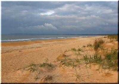 пляж в Нижнезаморском
