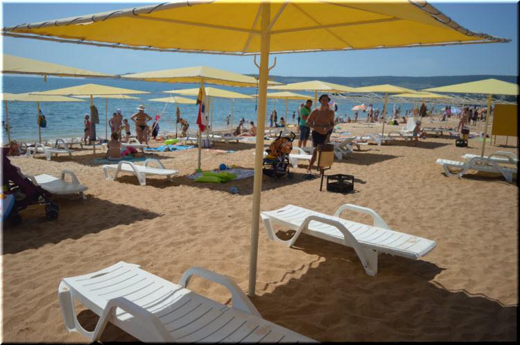 Жемчужный пляж в Феодосии