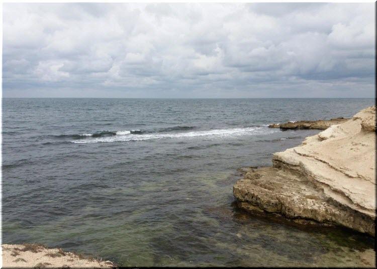 дикие пляжи в Межводном