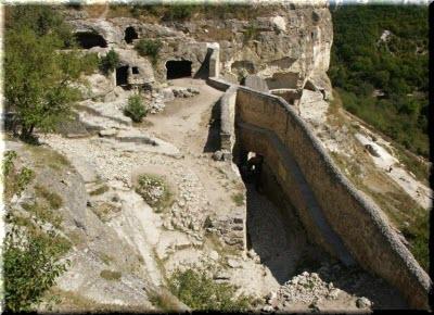 фото пещерного монастыря под Судаком
