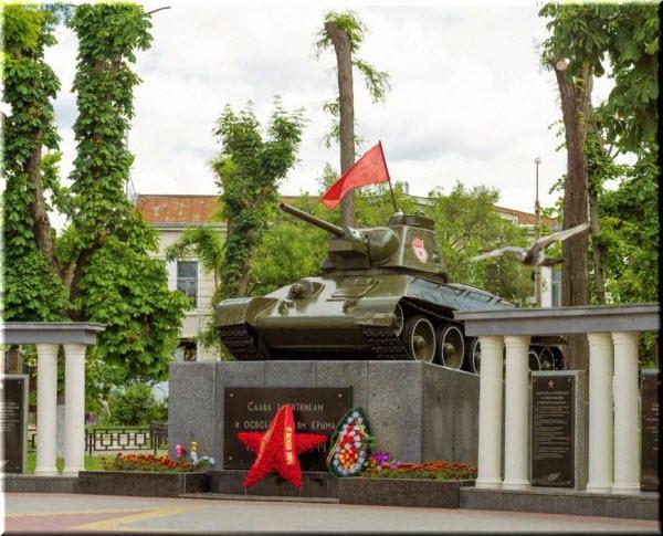 фото Танка-памятника освободителям Симферополя