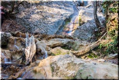 фото в ущелье Темиар летом