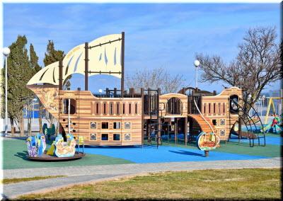 детская площадка в сквере Ахматовой