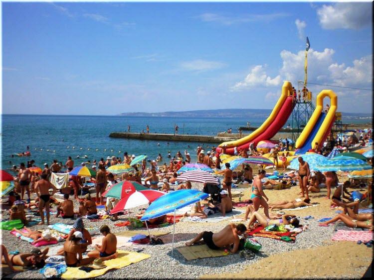 галечный пляж Приморского
