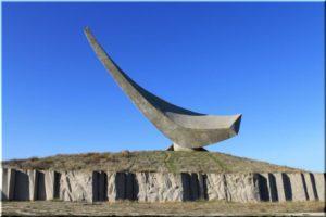 памятники Великой Отечественной в Керчи