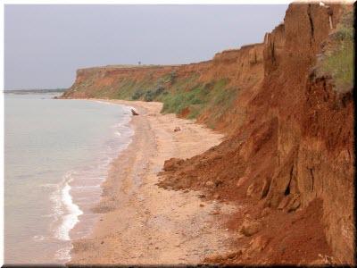 пляжи у мыса Лукулл