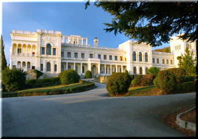 Ливадийский дворец в Ливадии