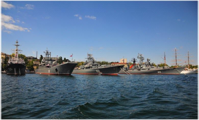Экскурсия к военным кораблям