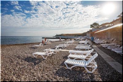 на пляже отеля Песочная бухта
