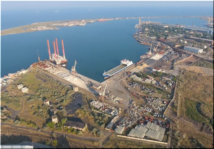 Порт Камыш-Бурун в Керчи