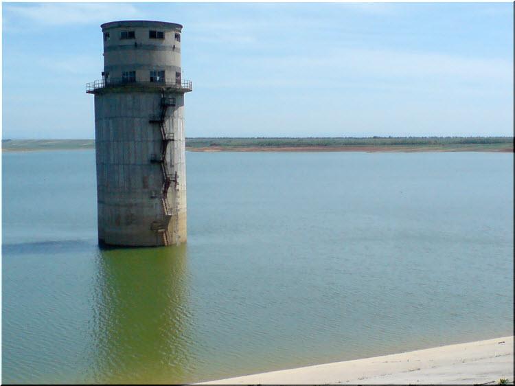башня на Межгорном водохранилище
