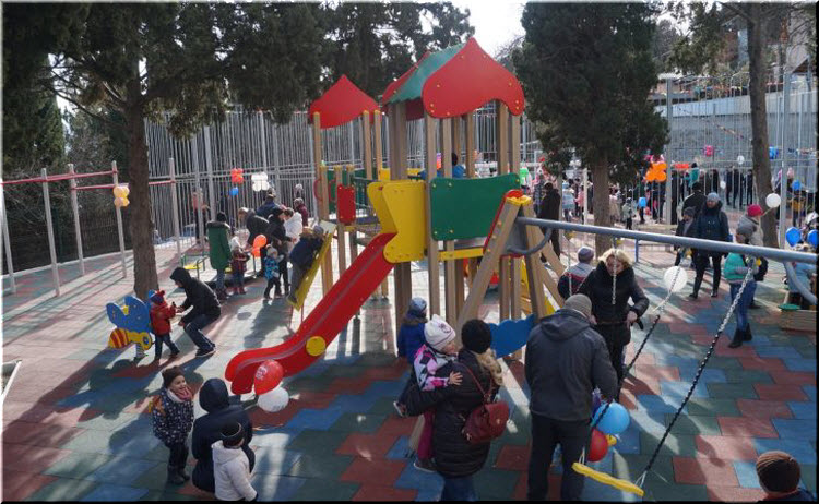 детские площадки в Гурзуфе