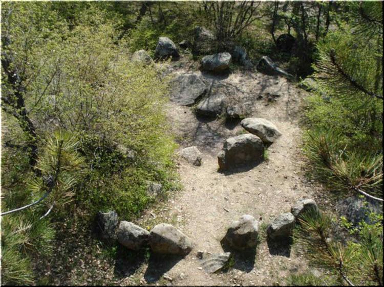 фото Алуштинского кромлеха с высоты