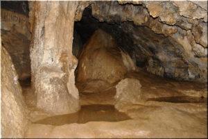 Аянская пещера в Крыму