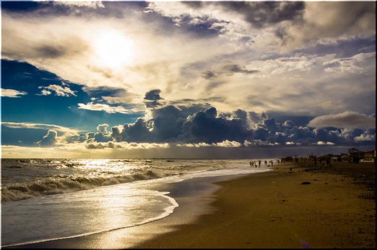 дикие пляжи возле Сак